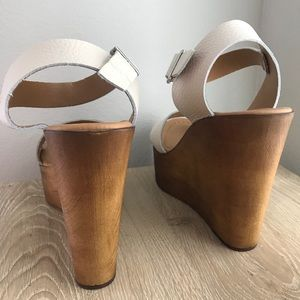 d0602bf4362 Steve Madden Shoes - Steve Madden Belma Wedge in off White BRAND NEW